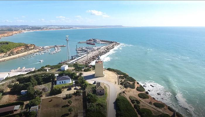 Vistas aéreas del Faro Cabo de Roche Cádiz